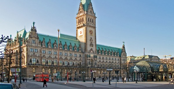 Dominio .hamburg con Hostinet